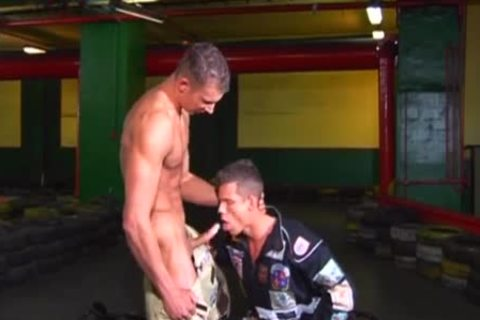 euro males engulf and jerk