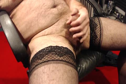 I Love To wank In My Nylons. Love To Wear 'em In raunchy Encounters As Well.