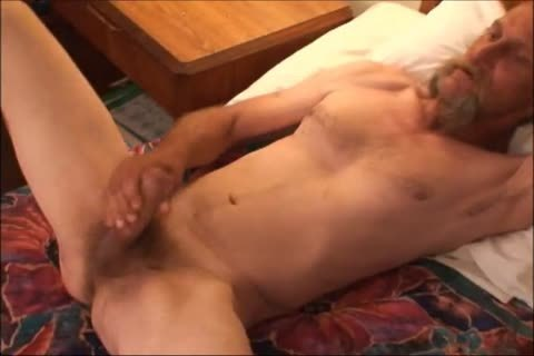 Just A scarcely any Minutes Of A clip I Have, An daddy unsightly lad Shows His sexy enormous Uncut messy 10-Pounder And messy booty