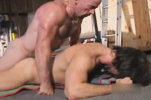 Interracial bushy Muscle Bb