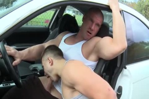 Muscle twinks Outdoor Car bang
