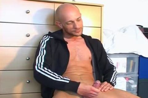 Full movie scene: A admirable innocent Gym lad Serviced His large weenie By Us.