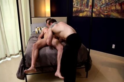 special Service – Markie more & Roman Todd
