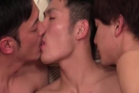 Three boyfrend fucked sperm
