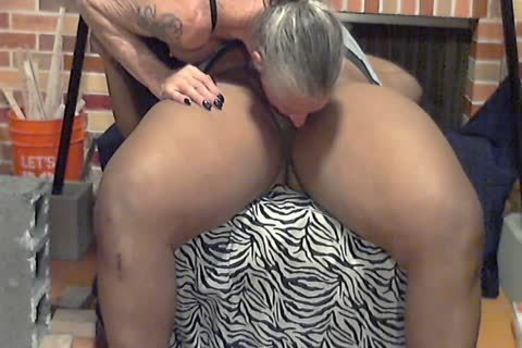 Bobbie receives poked By BBC And Face poked.mp4