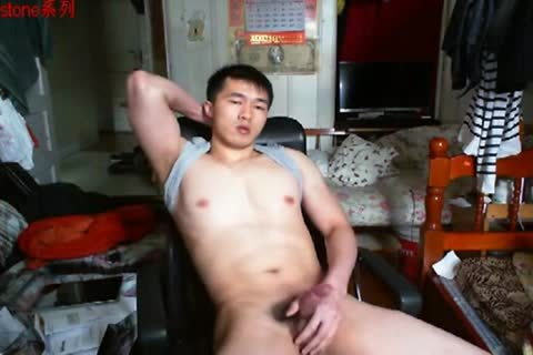 A gracious Chinese Hand Job In cam