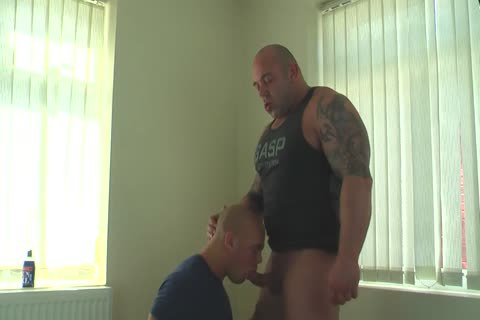 Muscle Daddy Glazing Sons hole bare