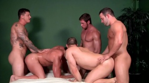 Bubble booties - John Magnum and Connor Maguire ass Hump