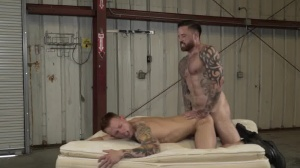 Warehouse Chronicles: Boot villein - anal Action