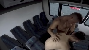 males In Public 28 - Bus plow - oral Hook up