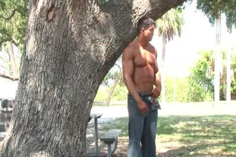 horny MUSCLE PHOTOSHOOT