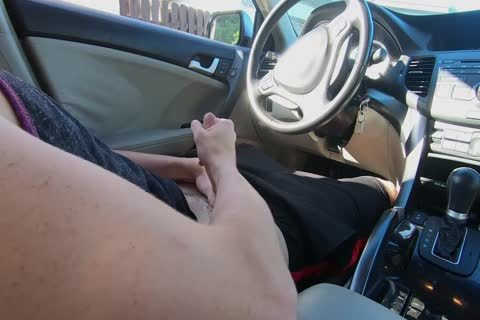 twink Watches Other twink stroke His 10-Pounder In The Car while In Public