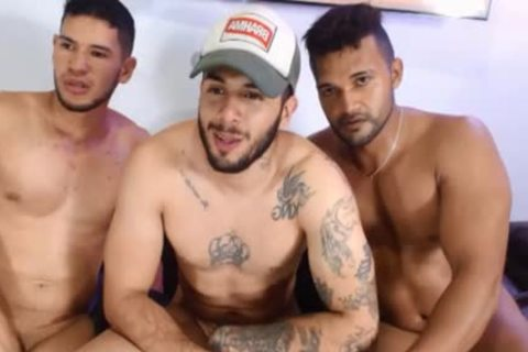 3some latin chick boyz Free Sex Chat Porn On Cruisingcams.com