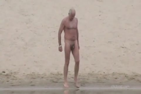 Spy older males And Grandpas Swimming naked