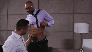 Noir Male: Muscle Ray Diesel anal interracial